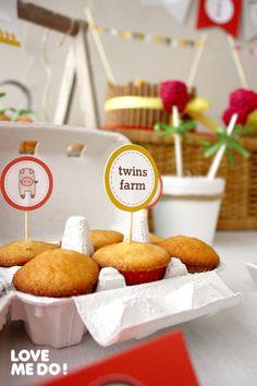 The Farm Birthday Party Ideas Happy 2nd Birthday, Farm Birthday, 4th Birthday Parties, Birthday Celebration, Farm Animal Party, Barnyard Party, Farm Party, Party Hacks, Party Ideas