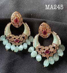 Indian Wedding Jewelry, Indian Jewelry, Traditional Earrings, Head Jewelry, Sterling Jewelry, Ear Rings, Jewelry Patterns, Jewelry Collection, Jewelery