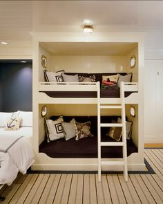 Double bed and bunk beds in guest room