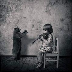little-girl-and-the-cat11.jpg (680×680)