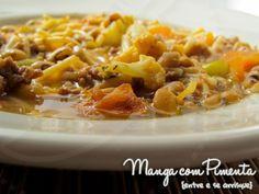 Sopão de carne moída... ou seria minestra? Mas essa sopa é maravilhosa para fazer nos dias frios. Clique na imagem para ver a receita no blog Manga com Pimenta.