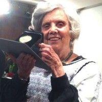 Poniatowska recibe Medalla Bellas Artes