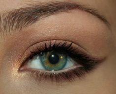 How to do a soft cat eye. Just change the color of the liner!