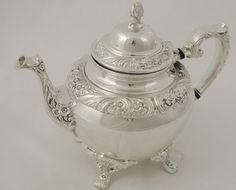 SUPERB VINTAGE 1847 ROGERS BROS SILVER PLATE HERITAGE TEA POT COFFEE POT
