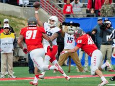 Arizona Wildcats quarterback Anu Solomon (12) throws