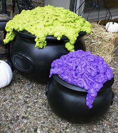 DIY Bubbling Witch's Cauldron -- Use home improvement materials to create a spooky cauldron.  #decoartprojects