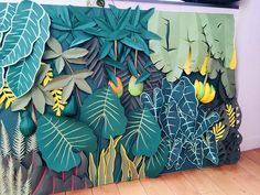 31 Ideas wall decored party decorations photo backdrops for 2019 Diy Paper, Paper Art, Deco Jungle, Jungle Theme, Paper Plants, Paper Leaves, Paper Flowers Kids, Tropical Party, Art Plastique