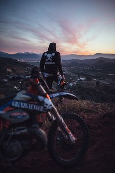Off road and off track Motocross Couple, Motocross Love, Enduro Motocross, Enduro Motorcycle, Motorcycle Images, Motorcycle Style, Girl Dirtbike, Motorbike Girl, Dirt Bike Room