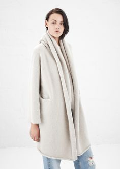 Lauren Manoogian Capote Coat in Putty #totokaelo #laurenmanoogian #coats