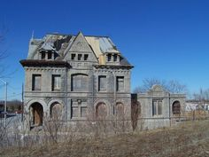 Old Abandoned Buildings, Abandoned Castles, Old Buildings, Abandoned Places, Derelict Places, Old Mansions, Abandoned Mansions, Creepy Houses, Police Station