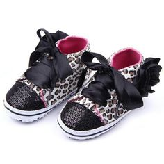 Moccasins Newborn Girls Flower Spring / Autumn Infant Baby Shoes Moccasins Newborn Girls Booties for Newborn 19 Color Available Months. Toddler Girl Shoes, Baby Girl Shoes, Baby Vans, Girls Shoes Online, Girls Dress Shoes, Baby Leopard, Baby Sneakers, Comfortable Sneakers, Childrens Shoes