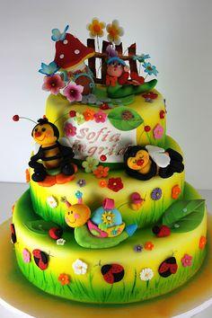 Me encantan estos cakes tan brillantes y con tantos detalles!