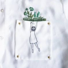 [Art] Hand embroidery on a shirt pocket that I did a while ago : streetwear - Stickerei Ideen Embroidery On Clothes, Hand Work Embroidery, Embroidered Clothes, Embroidery Fashion, Embroidery Patches, Hand Embroidery Patterns, Embroidery Art, Embroidery On Tshirt, Simple Embroidery