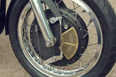 """Finally, the last """"Triton"""" Triumph Triple extensively reworked. Just look at the craftsmanship in the cooling screen and the brake linkage. Triumph Triple, Vintage Drums, Hit The Floors, Cafe Racer Motorcycle, Medical Prescription, Triumph Motorcycles, Front Brakes, Custom Bikes, Cool Cars"""