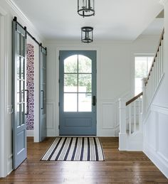 Grey interior door paint color. Interior door paint color Sherwin Williams Grey Matters SW 7066 #greyinteriordoor #paintcolor #SherwinWilliamsGreyMattersSW7066 #SherwinWilliamsGreyMatters #SherwinWilliamsSW7066 Bria Hammel Interiors