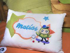 Cojín para los más peques de la casa.  Cushion for the little ones. #canarias #tenerife #lapalma #hechoamano #hechoencanarias #fashion #design #kids #decohome #home #baby #decobaby #love #detalles #cosasbonitas #art #artesanal