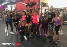 #Repost @kathfit @powerclubpanama  Nosotros no perdemos tiempo!!!  Preparándonos para recibir Año Nuevo 2018 con todo!  Así entrenamos en la Sucursal #Soho #newyear #YoEntrenoEnPowerClub