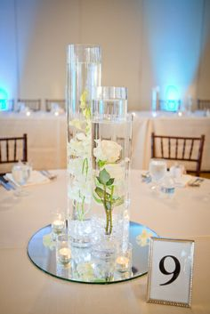 30 Fabulous Floating Marriage ceremony Centerpiece Concepts – Hello Miss Puff Wedding Table Decorations, Wedding Themes, Diy Wedding, Dream Wedding, Wedding Day, Vase Centerpieces, Wedding Centerpieces, Centerpiece Ideas, Floating Flower Centerpieces