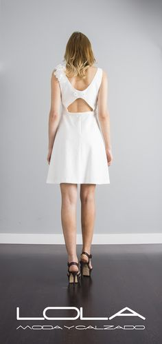Summer is coming.... sácale el mejor partido al buen tiempo con tus vestidos de temporada.  Pincha este enlace para comprar tu vestido en blanco de algodón en nuestra tienda on line:  http://lolamodaycalzado.es/primavera-verano-17/1438-oky-coky-6408.html
