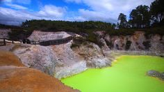 Remarkable mineral-tainted pool in Waiotapu, New Zealand