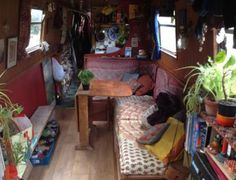 Canal Boat Interior, Funky Bedroom, Requiem For A Dream, Mtv Cribs, Narrow Boat, E Room, Van Home, Bus Life, Little Cabin