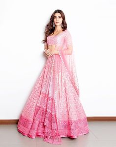 Kriti Sanon in gorgeous baby pink Manish Malhotra Lehenga. Kriti Sanon in gorgeous baby pink Manish Malhotra Lehenga. Indian Bridal Outfits, Indian Bridal Fashion, Indian Designer Outfits, Manish Malhotra Lehenga, Bollywood Lehenga, Shaadi Lehenga, Manish Malhotra Designs, Manish Malhotra Bridal, Manish Malhotra Collection