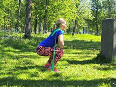 Om sommeren elsker jeg å trene ute! I forhold til styrke er det veldig mye man kan gjøre med omgi...