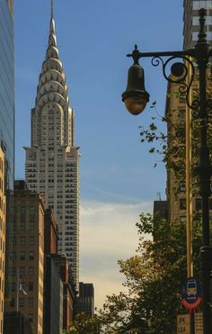 Chrysler Building, NYC(Favorite Places New York City) Rue New York, New York Life, Nyc Life, Chrysler Building, City Aesthetic, Travel Aesthetic, Building Aesthetic, Photographie New York, Foto Glamour