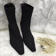 Aquatalia black ankle boots size 10 Looks great just has some used on the bottom but overall in great condition! Aquatalia Shoes Ankle Boots & Booties