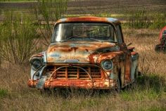 old forgotten chevy Old Pickup Trucks, Farm Trucks, Cool Trucks, Classic Chevy Trucks, Classic Cars, Chevrolet Trucks, Gmc Trucks, Chevrolet Apache, Ford