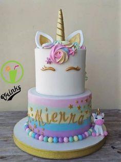 unicorn cake - Vali's birthday cake ideas - Unicorn Themed Birthday Party, Birthday Cake Girls, Unicorn Party, 5th Birthday, Unicorn Birthday Cakes, Birthday Ideas, Rainbow Unicorn, Unicorne Cake, Cupcake Cakes