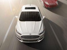 Novo Fusion 2013 - Os detalhes e as linhas da frente parecem ter sido esculpidas à mão, o que gera um efeito de luzes e sombras espetaculares. E os faróis, são mais finos e alongados, transmitindo um ar de modernidade e esportividade ao veículo.