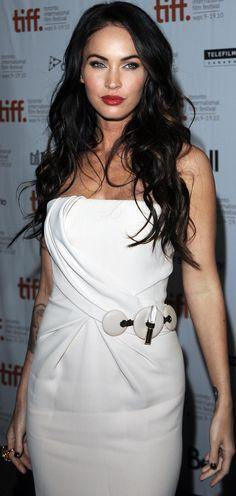 Dark hair and pale skin medium length = Katy Perry. Dark hair and pale skin long hair = Megan Fox. Simple! x:D
