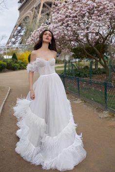 Julie Vino Wedding Dresses 2019 – Paris Collection 2019 Wedding Dress Fashion New Trends Julie … Dream Wedding Dresses, Bridal Dresses, Wedding Gowns, Prom Dresses, Spring Dresses, Modern Wedding Dresses, Simply Wedding Dress, Wedding Ceremony, White Wedding Dresses