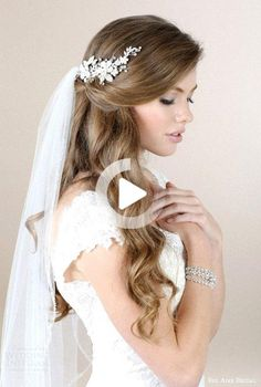 Wedding Hairstyles For Long Hair With Veil Updo Hairdos 68 Ideas - Bridal Hair Half Up Wedding Hair, Wedding Hairstyles Half Up Half Down, Curly Wedding Hair, Elegant Wedding Hair, Trendy Wedding, Wedding Veils, Wedding Dresses, Free Wedding, Veil Hairstyles