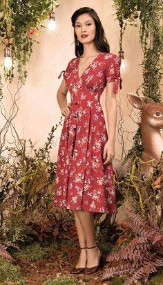 15d08f02fa Vestido Midi Coelhos e Poás I Vermelho. Flowery DressesCute DressesVintage  DressesCasual DressesBeautiful DressesShort DressesVintage OutfitsDress ...