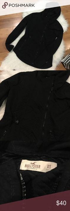 Hollister Zipper Hoodie Quilted chevron. Cinches at waist Hollister Jackets & Coats