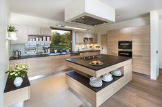 Modern Kitchen Interiors, Luxury Kitchen Design, Kitchen Room Design, Kitchen Layout, Home Decor Kitchen, Interior Design Kitchen, Modern Studio Apartment Ideas, Kitchen Island Table, Unique House Design
