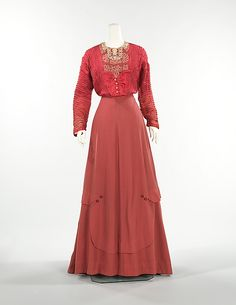 Rose wool and silk ensemble (front, without jacket), by James McCreery & Company, American (New York City), ca. 1907. This detailed American day ensemble is finely detailed example of the period. According to the donor, Mrs. Philip J. Roosevelt, it was worn by her sister Gladys Roosevelt. The donor was a cousin to Theodore Roosevelt.