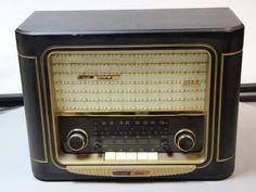 Grundig Classic AM/FM Radio