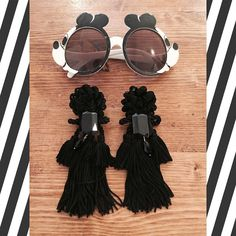 Michey Mouse 1986 sunglasses  Claire's Love amazing handmade earrings  #pelorosso #pelorossovintage #vintage #vintageshop #vintageshopping #rimini #riminivintage by pelorossovintage