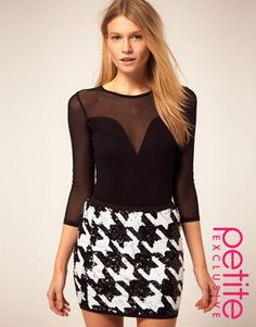 PETITE Exclusive Sweetheart Mesh Body With 3/4 Sleeves