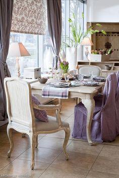 Stół i krzesła - zgrany duet. Wybierz z nami meble do jadalni