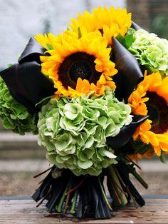 sunflower and hydrangea bouquet...