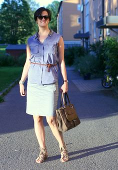 Tall Girl's Fashion // Styling a grey pencil skirt