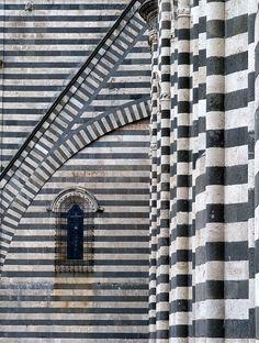 Duomo di Orvieto Italia by Jude Oram