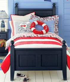 Blue+and+Red-Bedroom+for+kids+-+fun+nautical+theme