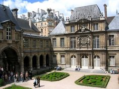 The Museum Carnavalet - Top 10 places you must see in town of love-Paris, France