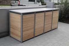 Die Mülltonnenbox Holz Lärche mit Alu wird ohne Lochung, mit Vierkantlochung o… The garbage bin box wood larch with aluminum is delivered without perforation, with square holes or round holes in two colors. Visit our online store. Garbage Shed, Garbage Storage, Garbage Can, Storage Bins, Storage Ideas, Kitchen Storage, Garden Shed Diy, Backyard Sheds, Outdoor Sheds