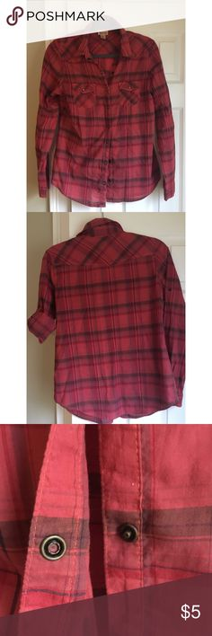 Plaid shirt Plaid shirt Snap buttons  Pockets in front  Long sleeves or short snap on sleeve to fill up Mossimo Supply Co. Tops Button Down Shirts
